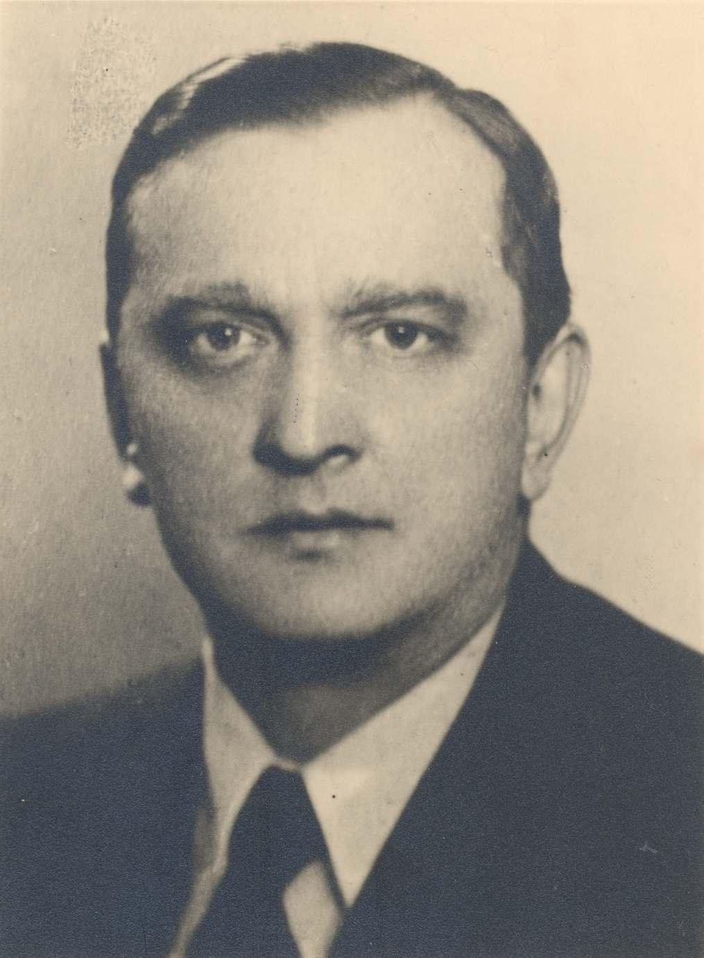 Stefan Banach (ur. 30 marca 1892 w Krakowie, zm. 31 sierpnia 1945 we Lwowie) – polski matematyk, jeden z przedstawicieli lwowskiej szkoły matematycznej.